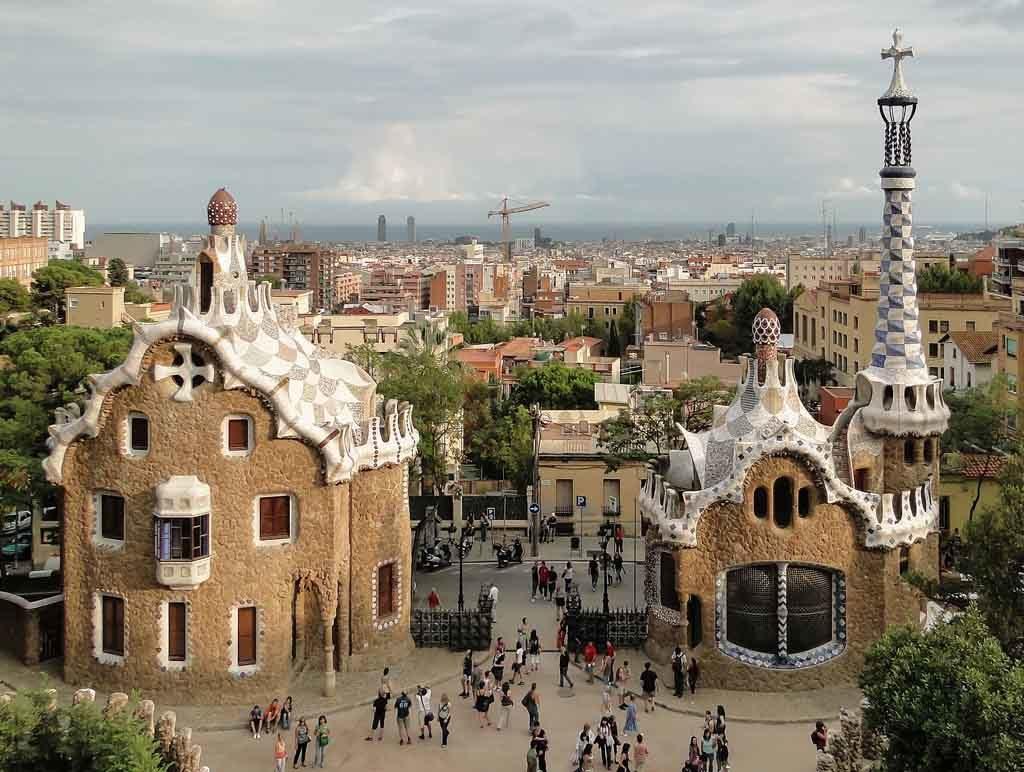 Mit rund 3 Millionen Besuchern pro Jahr ist der Park Güll die zweitgrößte Sehenswürdigkeit in Barcelona