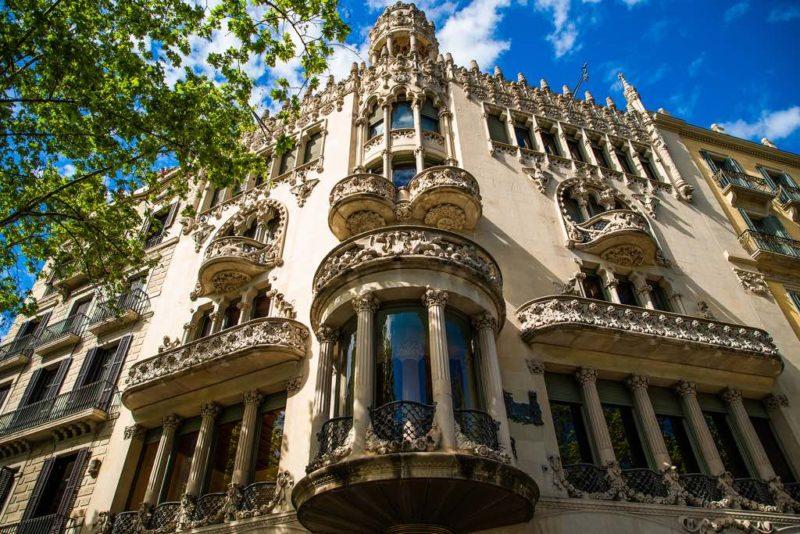 Architektur am Prachtboulevard Passeig de Gràcia