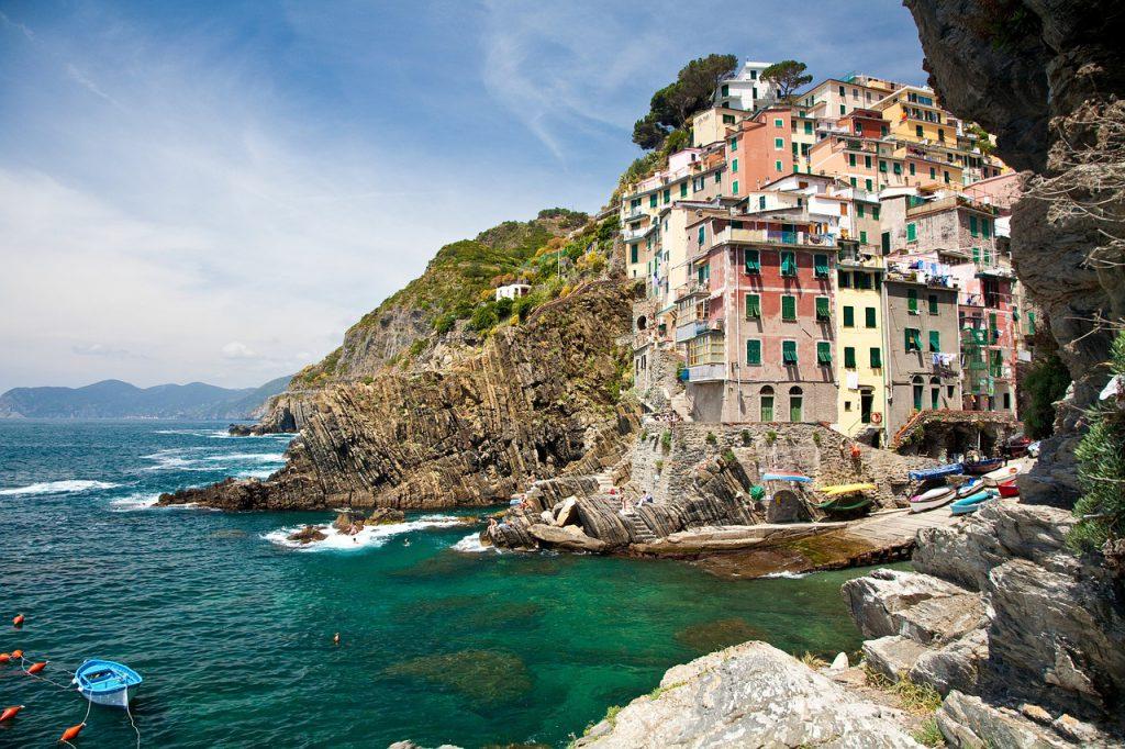 Riomaggiore am Golf von Genua, Italien