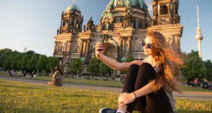 Der Berliner Dom ist ein beliebtes Ziel für Touristen