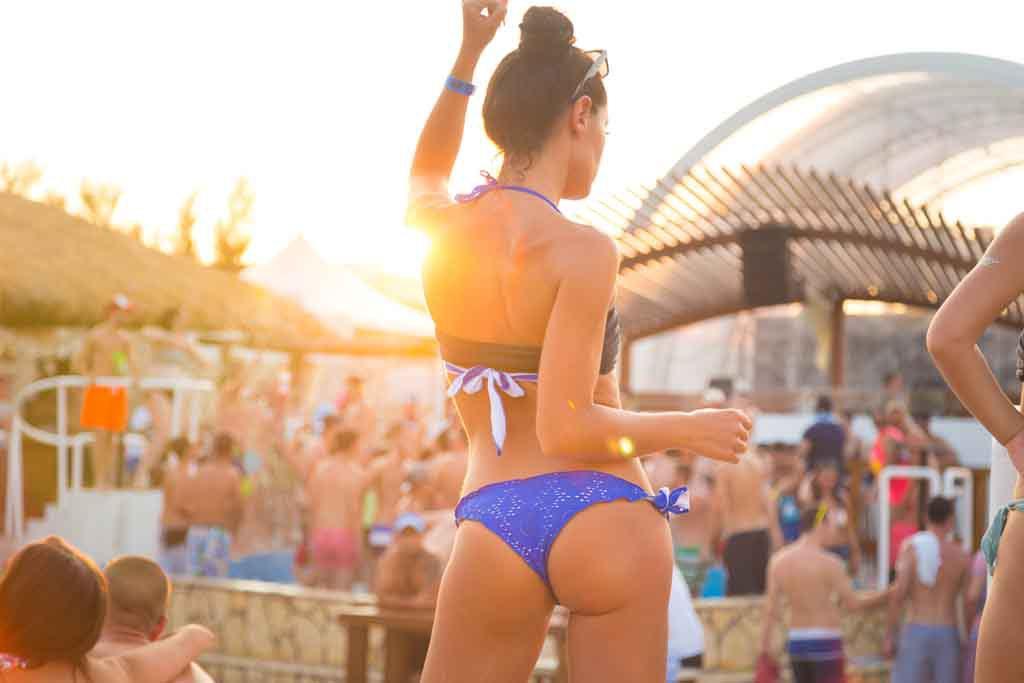 Partyurlaub in Kroatien – Die Insel Pag ist vro allem bei jungen Leuten beliebt