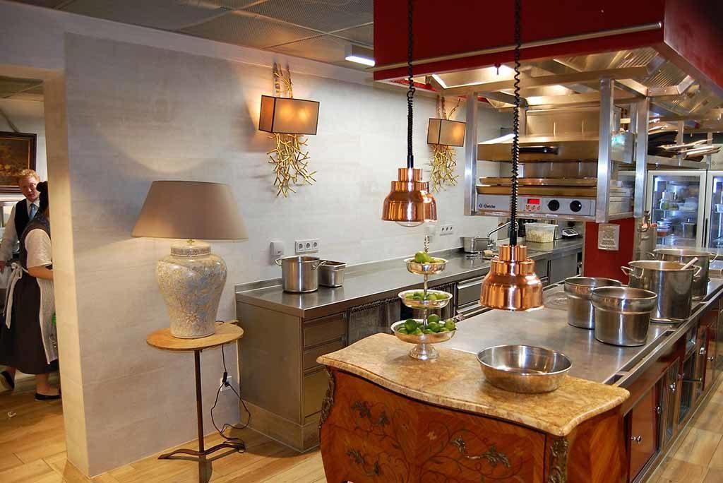 Die rote Küche in der Bleiche – Hotel-Küche 2030 nennt sich das Konzept  Foto: F. Moritz