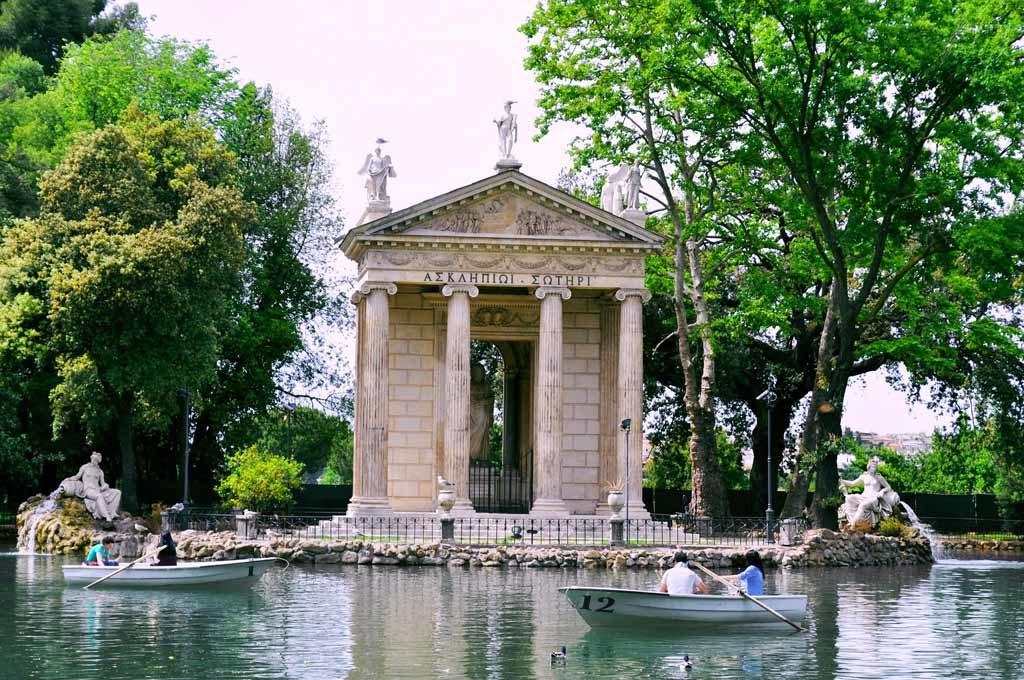 Der Park Villa Borghese gilt als eine der schönsten der zahlreichen Grünanlagen Roms