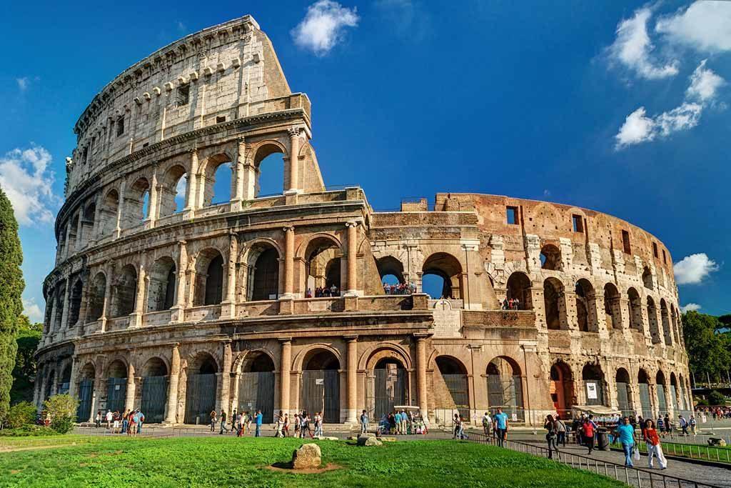 Das Kolosseum ist eines der größten Touristen Attraktion in Rome