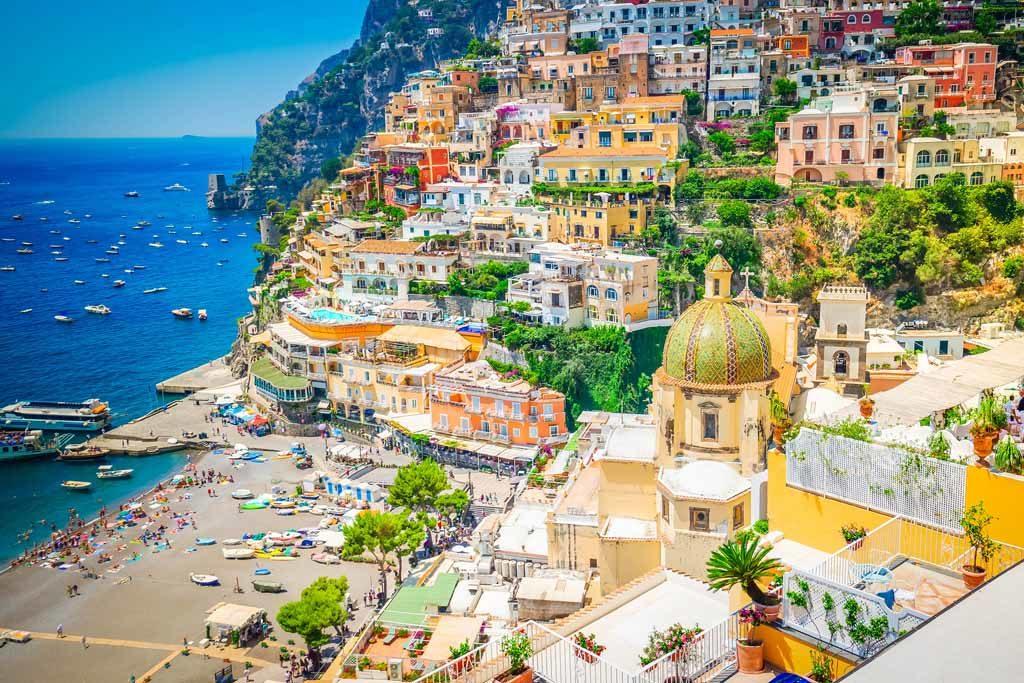 Positano ist einer der schönsten Orte an der italienischen Amalfiküste