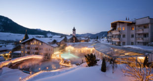 Posthotel Achenkirch inmitten der Tiroler Winterlandschaft. Foto: Posthotel Achenkirch
