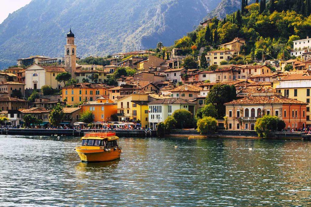 Der Gardasee ist nicht nur der größte See in Italien, sondern zählt auch zu den beliebtesten Ferienzielen