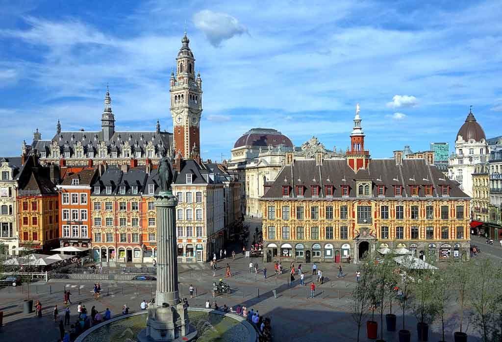 Der Grand Place ist der Mittelpunkt der Altstadt von Lille in Frankreich