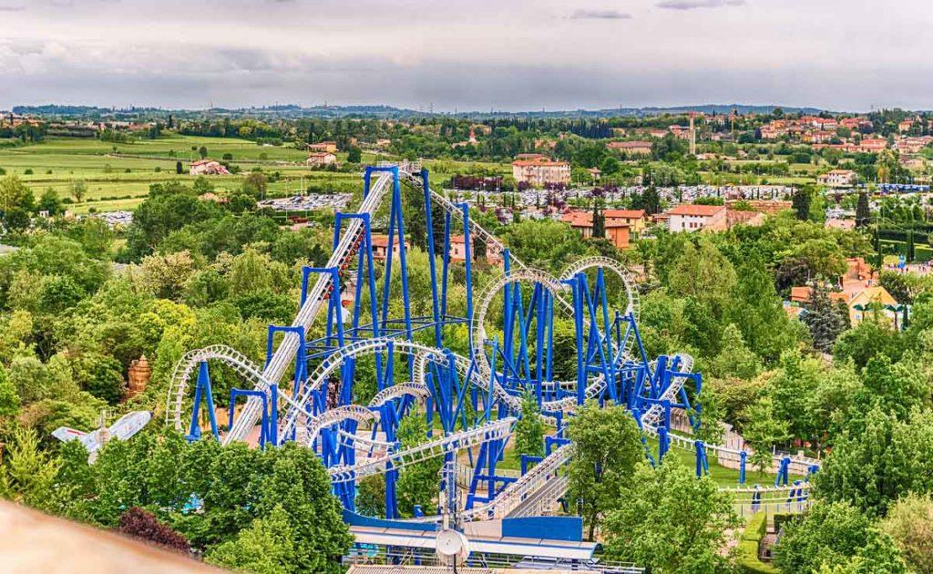 Die Achterbahn im Freizeitpark Gardaland, Italien Foto: Bigstock