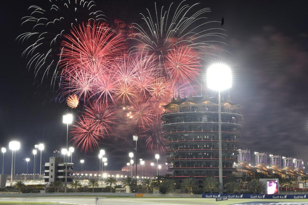 Feuerwerk beim Großen Preis von Bahrain Foto: Bahrain Tourism & Exhibitions Authority