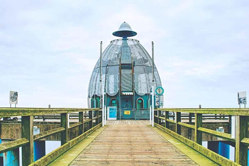 Eine weitere Touristen-Attraktion in Sellin ist die Tauchglocke am Ende der Seebrücke