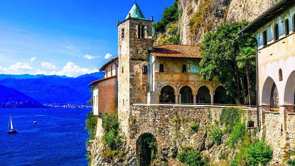 Der Lago Maggiore ist mit 212,5 km² der zweitgrößte See in Italien