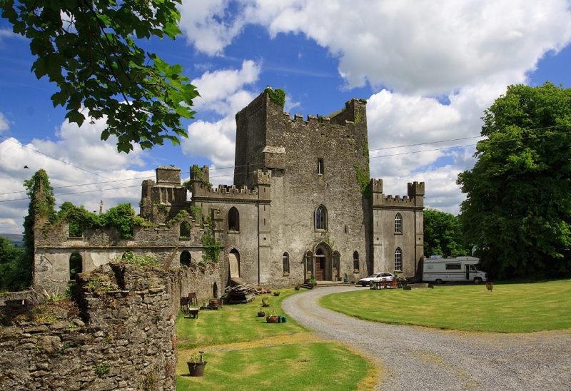 Die Nordwestansicht der Burg Leap Castle