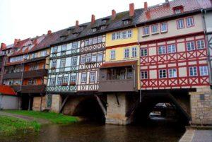 Die Krämerbrücke ist das älteste Bauwerk Erfurts