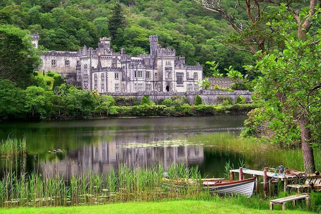 Das Schloss Kylemore in Irland
