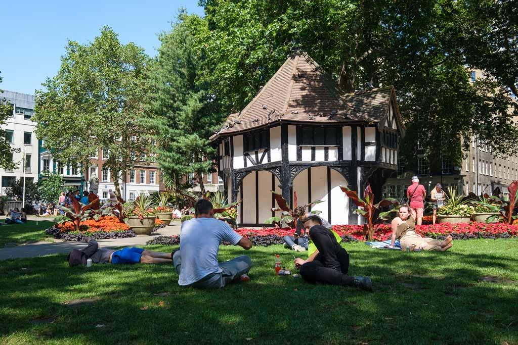 Picnic at Soho Square in London