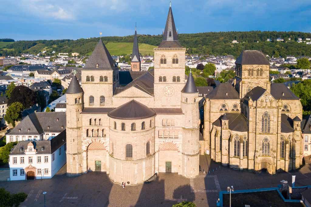 Blick auf die Kathedrale von Trier und die Liebfrauenkirche