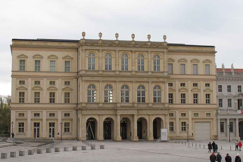 Der Barberini-Palast am Alten Markt von Potsdam
