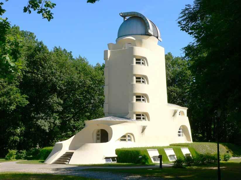 Der Einsteinturm auf dem Telegrafenberg in Potsdam