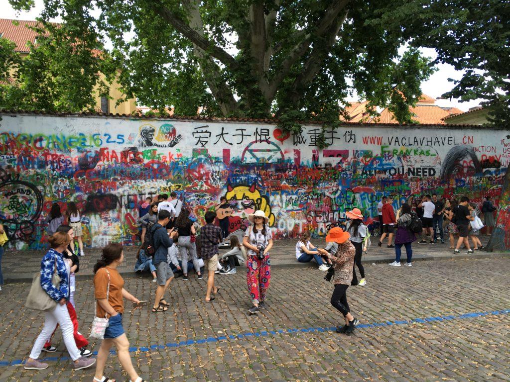 """John Lennon Wall"" Foto: F. Moritz"