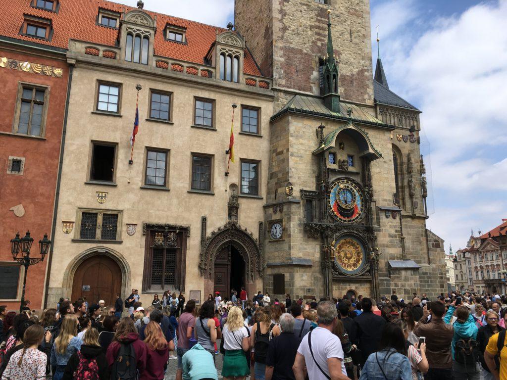 Die Rathaus-Uhr am Altstädter Ring in Prag Foto: F. Moritz