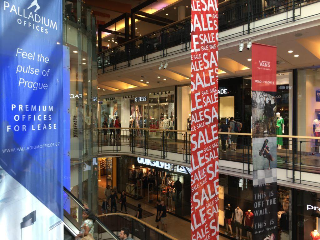 "Shopping-Center ""Palladium"" in Prag Foto: F. Moritz"