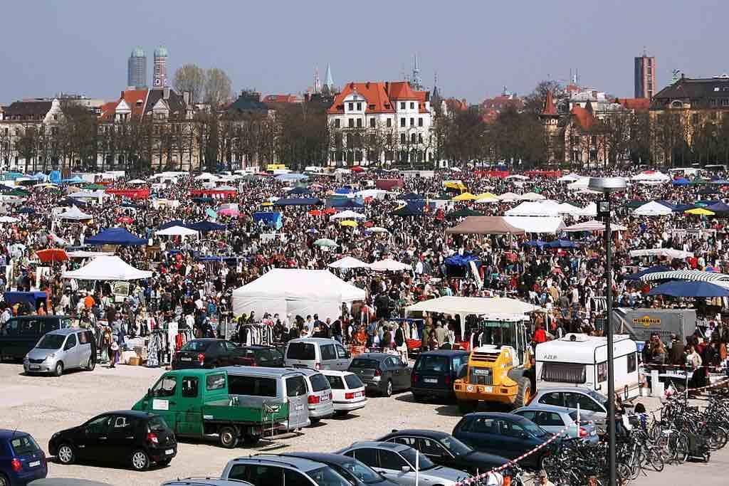 Flohmarkt auf der Theresenwiese