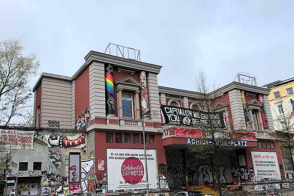 Im ehemalige Theater rote Flora gilt als symbolträchtiger Ort der Autonomen-Szene Hamburgs