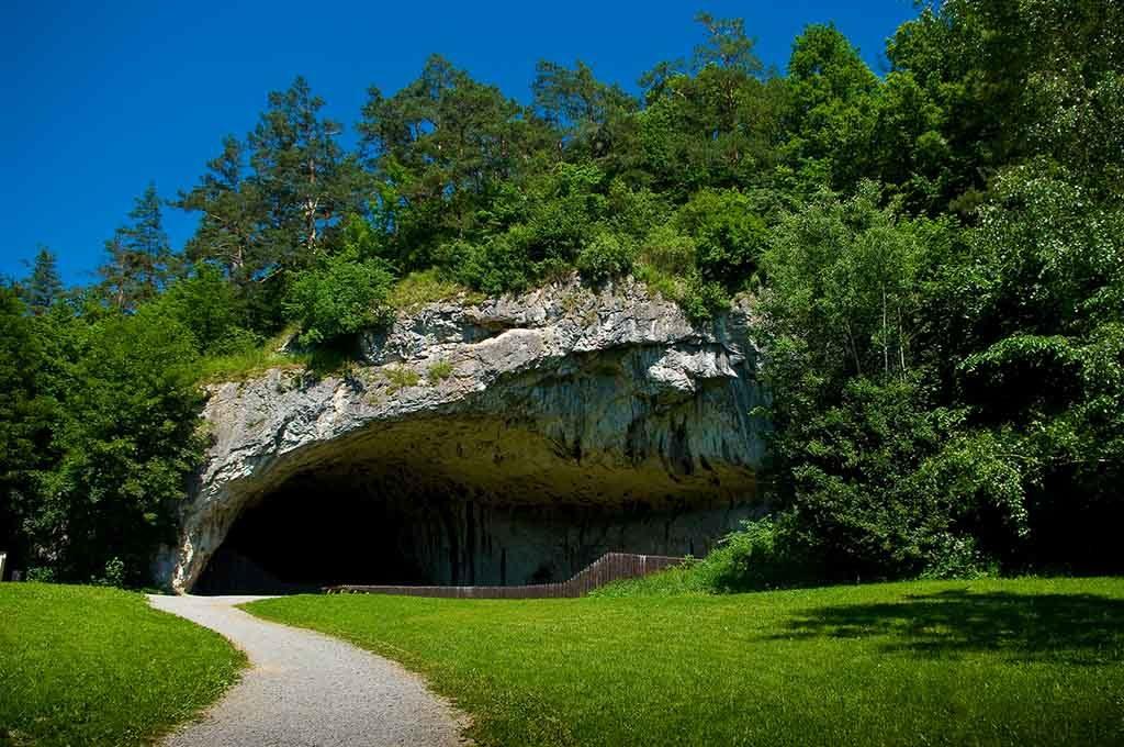 Die Mährischen Höhlen sind überrund 400 Öffnungen begehbar