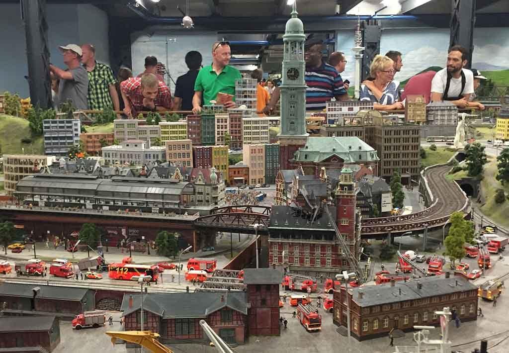 Miniatur Wunderland in Hamburg ist die Modelleisenbahn Installation der Welt