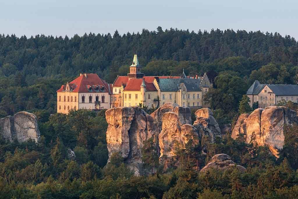 Das Schloss von Hrubá Skála im Bohemia Paradies, Tschechien