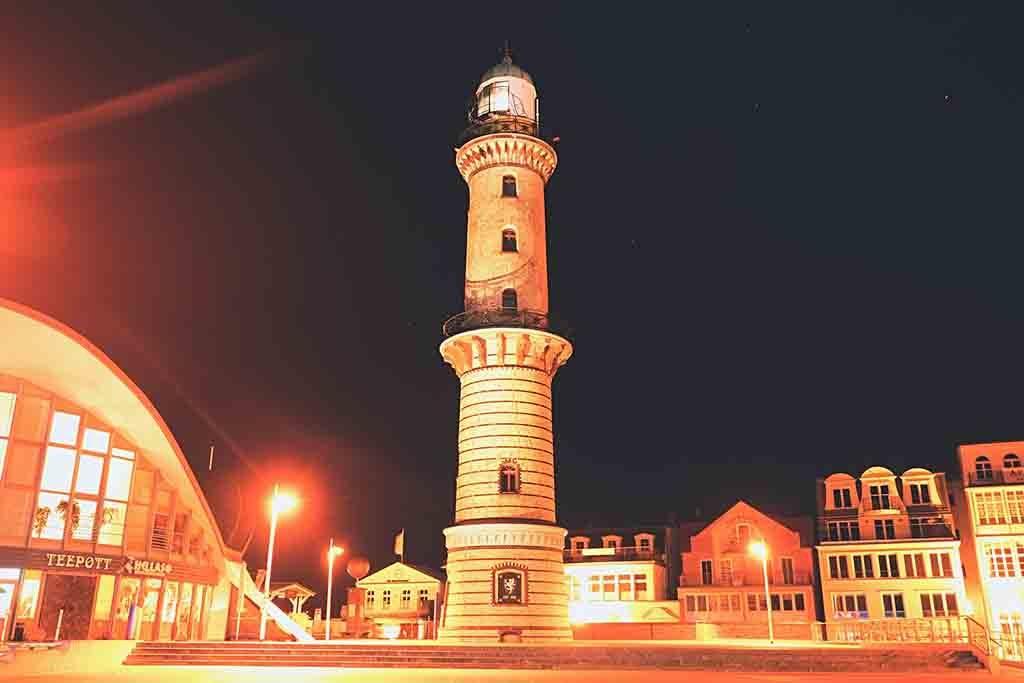 Der Leuchtturm von Warnemünde