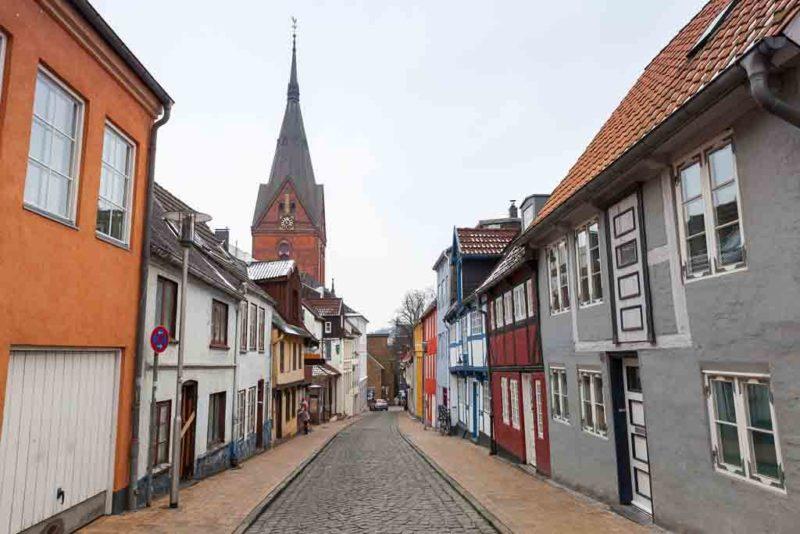 Die Marienkirche am Nordermarkt gehört zu den markantesten Sehenswürdigkeiten in Flensburg