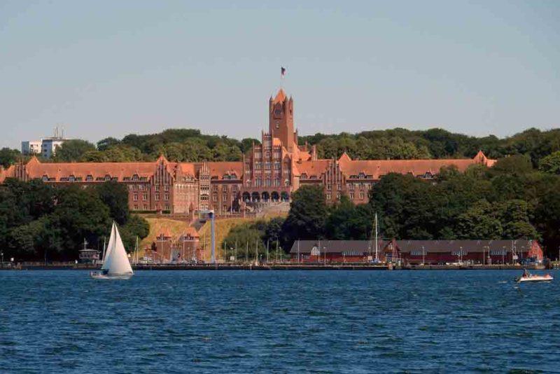 Dei Marineschule in Flensburg