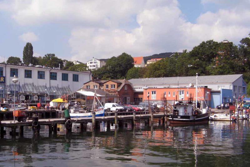Die Kutterfisch Manufaktur im alten Hafen von Sassnitz
