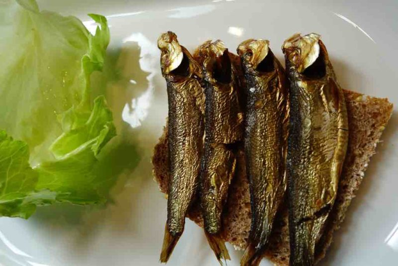 Die geräucherte Sprotte ist Kiels traditionelle Delikatesse