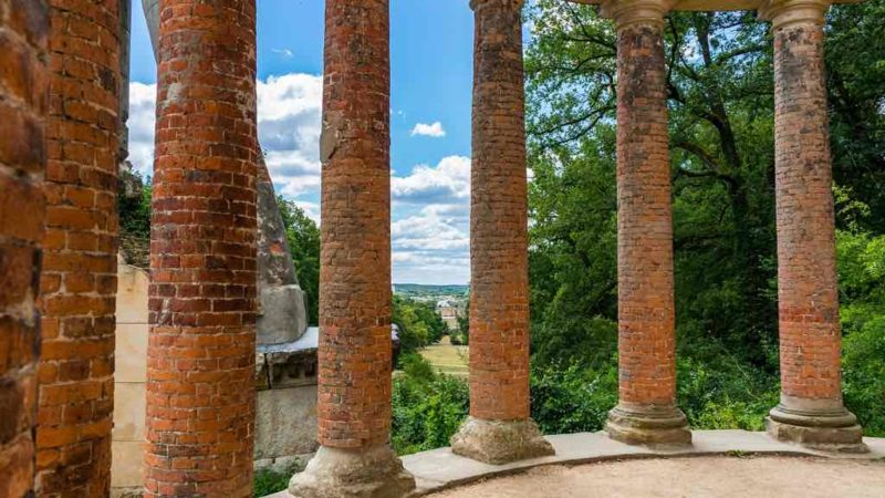 Der Ruinenberg im Osten des Schlosses Sanssouci ist eine der zahlreichen Sichtachsen von Potsdam