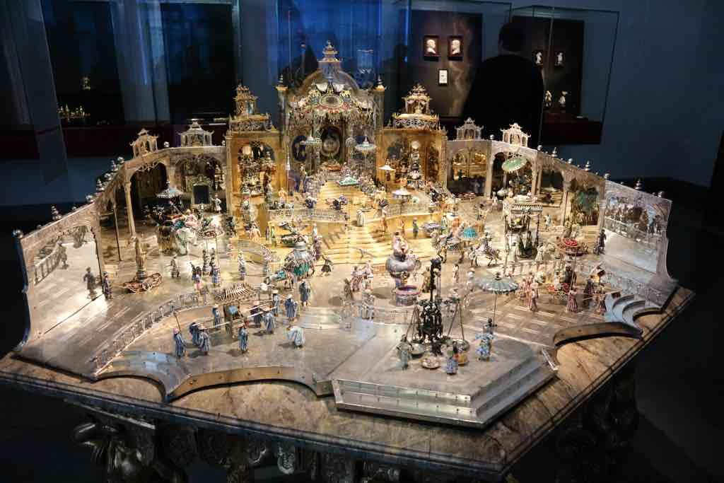 Der Hofstaat zu Delhi ist eines der Meisterwerke im Grünen Gewölbe in Dresden