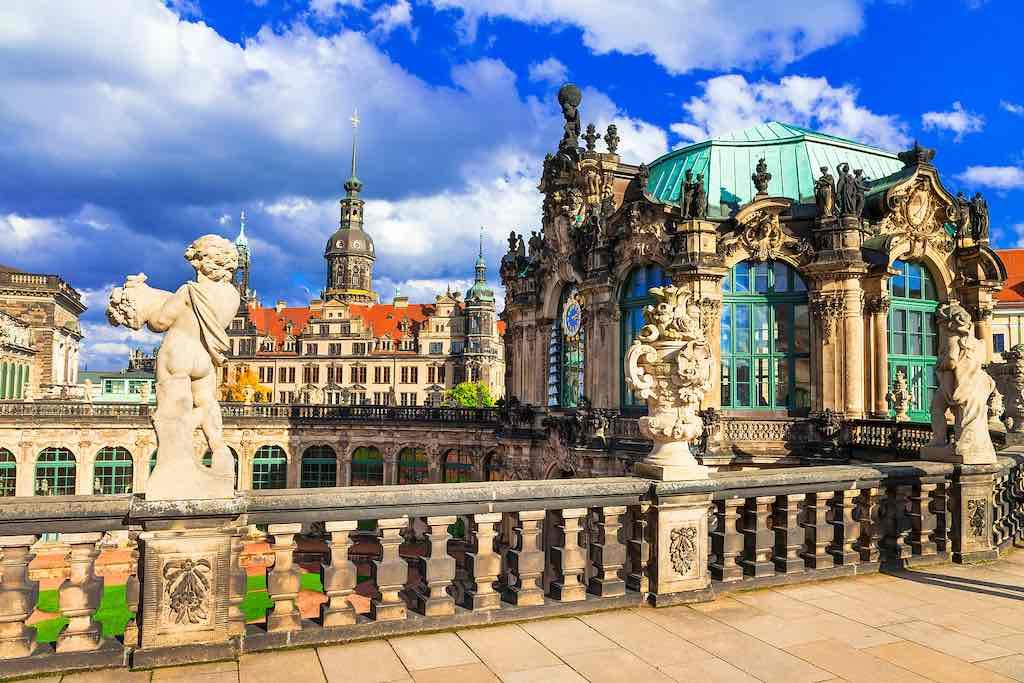 Der Dresdner Zwinger ist eines der prächtigsten Barockgebäude Deutschlands
