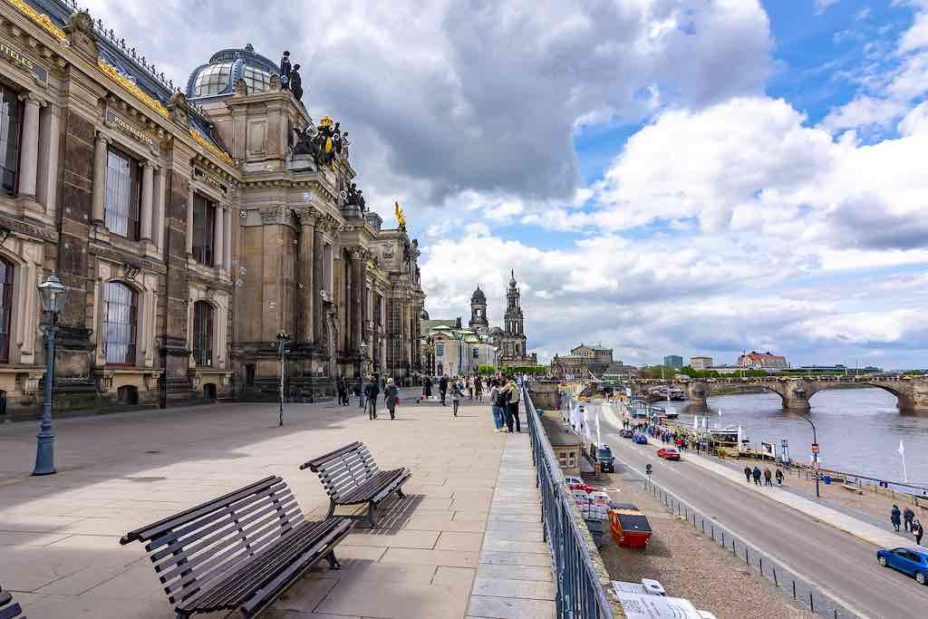 Die Brühlsche Terrasse in Dresden ist auch als Balkon Europas bekannt