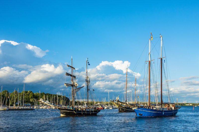 Windjammer bie der Hanse Sail in Rostock