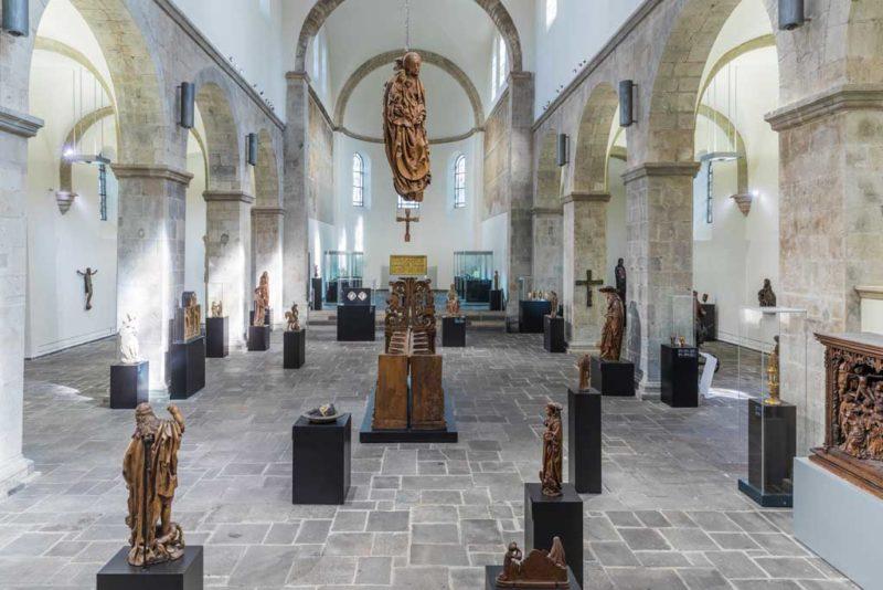 Skulpturen aus Holz und Stein im Schnütgen Museum
