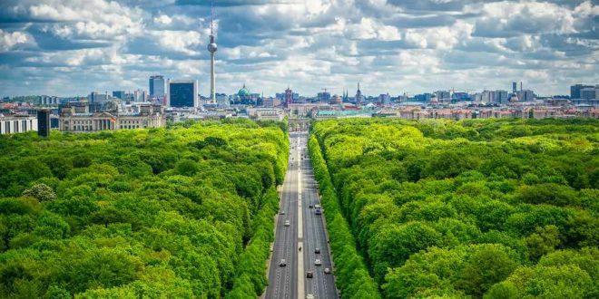 Tiergarten und Brandenburger Tor von der Siegessäule aus gesehen