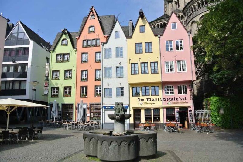 Die bunten Bürger- und Handelshäuser in der Kölner Altstadt
