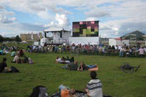 Public Viewing auf dem Tempelhofer Feld