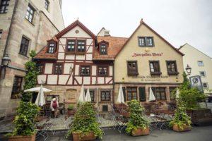 """Der Gasthof """"Zum Goldenen Stern"""" ist die älteste Bratwurst-Taverne in Nürnberg"""