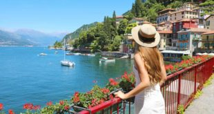 Urlaub am Comer See. Blick auf den Walk of Lovers in Varenna
