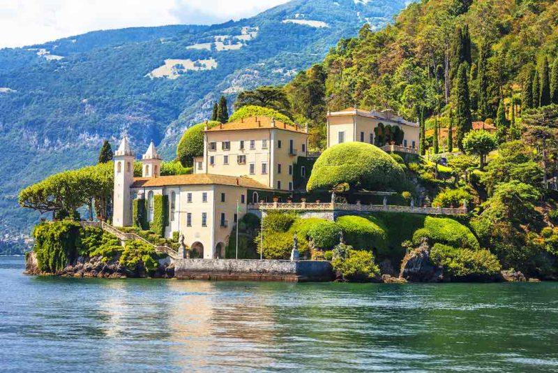 Blick auf die Villa del Balbinello in Lenno